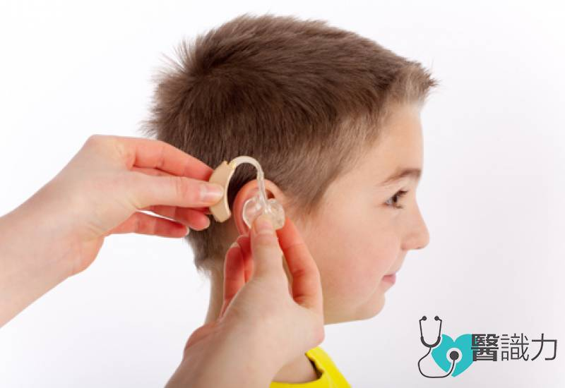 医生夫妇辛育失聪儿女 植耳蜗勤复健 开启孩子健谈路